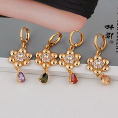 18K Gold Plated Fashion Shining Flowers Design with Oval Zircon Copper Drop Earrings