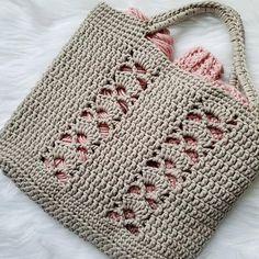 The Deco Tote PATTERN crochet pattern tote bag beach bag image 4 Bag Crochet, Crochet Shell Stitch, Crochet Diy, Crochet Handbags, Crochet Purses, Crochet Gifts, Crochet Stitches, Tote Pattern, Purse Patterns