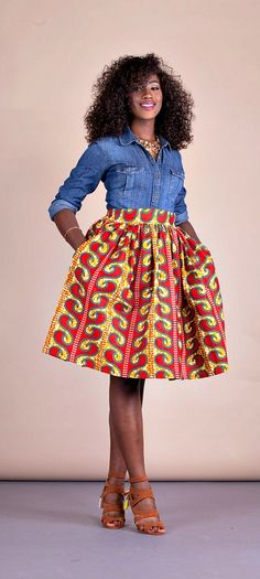 Relaxed yet sophisticated and, best of all, universally flattering – just look how it nips in the waist – a full, high waisted skirt is an instant game-changer with two side pockets and approximately waist band. African Fashion Ankara, Ghanaian Fashion, African Print Fashion, Fashion Prints, African Prints, Nigerian Fashion, African Dresses For Women, African Attire, Afrocentric Clothing