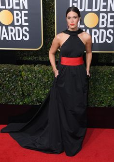 Mandy Moore attends the Annual Golden Globe Awards in Los Angeles on Jan. Golden Globe Award, Golden Globes, Oscar Dresses, Nice Dresses, Formal Dresses, Red Carpet Fashion, Fashion Pictures, Mandy Moore, Strapless Dress Formal