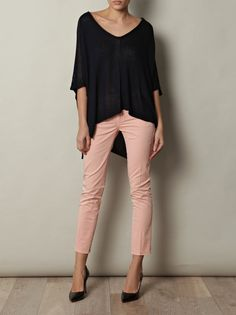 Peach jeans and black Sexy Outfits, Stylish Outfits, Cool Outfits, Fashion Outfits, Light Pink Pants, Light Jeans, Fall Winter Outfits, Autumn Winter Fashion, Peach Jeans