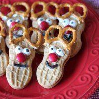 http://www.mommysavers.com/christmas-treats-nutter-butter-reindeer-cookies/