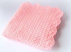 couverture bébé rose laine épaisse chaude hiver fait main made in Fance : Linge de lit enfants par c-comme-celine