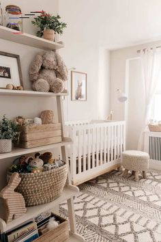 Fine Deco Chambre Neutre that you must know, You?re in good company if you?re looking for Deco Chambre Neutre Baby Room Design, Nursery Design, Design Girl, Baby Nursery Decor, Baby Decor, Baby Nursery Ideas For Girl, Nature Themed Nursery, Babies Nursery, Chic Nursery