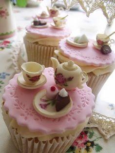 Tea time cupcakes  Je ne serais jamais capable de le manger!