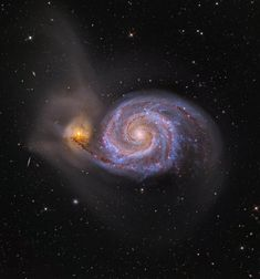 Whirlpool Galaxy The Remolino Galaxy Cosmos, Hubble Pictures, Nasa Space Pictures, Hubble Images, Space Images, Star System, Whirlpool Galaxy, Andromeda Galaxy, Evening Sky