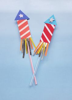 Looking for a fun and easy paper firecracker craft to make with your kids for the of July? This easy paper craft can help their imaginations explode with creativity! Easy Paper Crafts, Diy Paper, Crafts To Make, Simple Crafts, Paper Crafting, Cute Kids Crafts, Preschool Crafts, 4th Of July Party, Fourth Of July