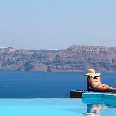 #Relaxation #AstarteSuites #VolcanicView #Santorini #Greece #Summer #Luxury Photo credits: @blogdakika
