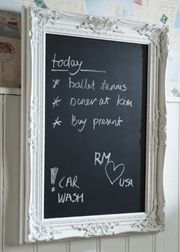I love this old victorian looking frame to hold a chalk board. Looks shabby-chic Kokoon Design, Memo Boards, Displays, Chalk It Up, Chalk Board, Chalkboard Paint, Chalkboard Ideas, Blackboards, Home Deco