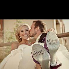 Juzzy's wedding photo idea ...love !!