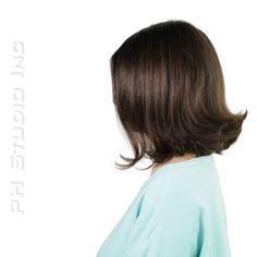 Silky, graduated bob with medium brown color. Haircut/Style: Kristina Puckorius  Products: Aquage Uplifting Foam & Aquage SeaExtend Silkening Oil Treatment.