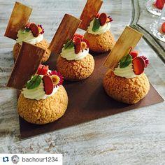 #Repost @bachour1234 with @repostapp Guava and cream cheese Choux for my class in medellin #TagsForLikes #Bachour #bachourchocolate #bachourchocolatebook #bachoursimplybeautiful #chocolate #theartofplating #chefstalk #chefsofinstagram #gastroart #antoniobachour #bachour1234 #pascuitas y #sorrel...#florescomestibles y brotes de #huertadelasdelicias acompañando las increíbles creaciones de @bachour1234 by huertadelasdelicias