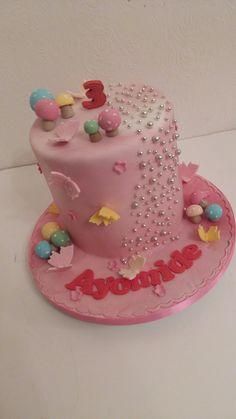 Mushroom and fairy cake Stuffed Mushrooms, Fairy, Birthday Cake, Cakes, Desserts, Food, Tailgate Desserts, Birthday Cakes, Deserts