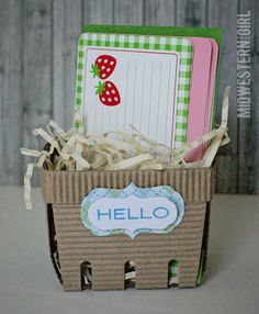 Midwestern Girl: berry basket gift packaging...with @Indra Fortney Crafts #box #template #lifestylecrafts