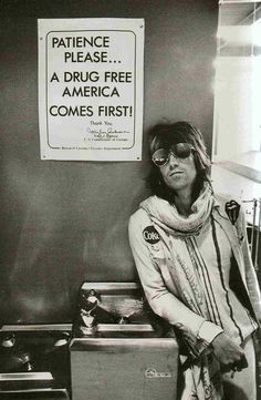 keith richards at customs in Seatle - 1972 | This is a photo… | Flickr