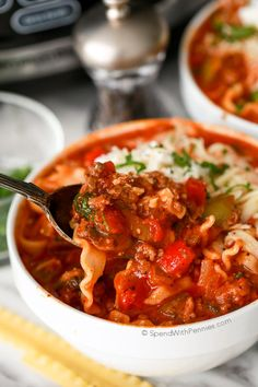 CrockPot Lasagna Soup is an easy recipe. The slow cooker creates a meaty hearty lasagna soup topped with mozzarella, ricotta and fresh herbs. Slow Cooker Tacos, Slow Cooker Soup, Slow Cooker Recipes, Soup Recipes, Cooking Recipes, Crockpot Recipes, Dinner Recipes, Crock Pot Soup