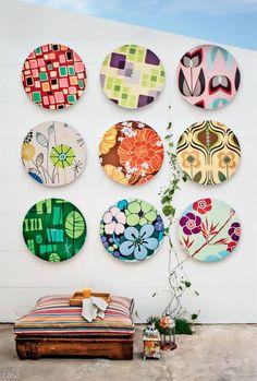 Das tradicionais composições de quadros ou pratos a um mix de objetos inusitados como latinhas, garrafas, caixas... Inspire-se em dez produções encantadoras