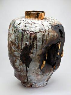 Gareth Mason Mammon,Tarnished, from the Black Rock Series 2010 Ceramic Design, Ceramic Decor, Ceramic Pottery, Talavera Pottery, Kintsugi, Contemporary Ceramics, Contemporary Art, Moon Jar, Pottery Designs
