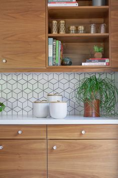 44 Magnificient Ikea Kitchen Design Ideas For Home To Try. Most Ikea customers are already familiar with the planner tools that Ikea provides. Ikea planner tools gives you a chance to become an Interi. Kitchen Ikea, Ikea Kitchen Design, New Kitchen, Kitchen Decor, Ikea Kitchen Remodel, Kitchen Hacks, Rustic Kitchen, Kitchen Designs, Handmade Kitchens