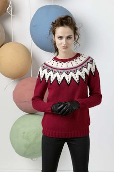 The front and back are knitted in one piece in the round up to the armholes. The sleeves are knit flat and seamed. Carpe Diem, Knitting Wool, Hand Knitting, Lang Yarns, Sweater Design, Lana, Sweater Cardigan, Christmas Sweaters, Knitting Patterns