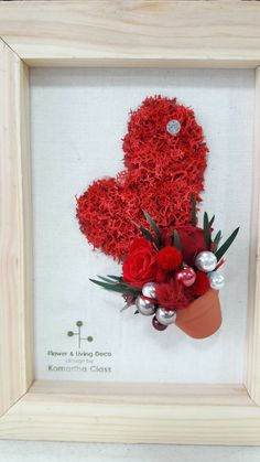 Moss Wall Art, Moss Art, Christmas Wreaths, Christmas Crafts, Nature Crafts, Flower Crafts, Diy And Crafts, Floral Wreath, Valentines