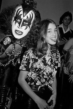 Gene Simmons and Brooke Shields, 1979. (source listed as pinterest.com!) No photog info...