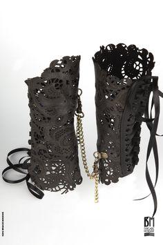 GOTH FASHION - Brigade Mondaine PAUL SEVILLE-cuffs lace leather-Black