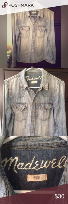 Madewell Denim Shirt - Medium This is a classic western-style denim shirt in perfect condition. It is better than new- broken in a bit from laundering so it's nice and soft. A timeless wardrobe staple. Size Medium. Madewell Tops