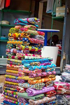 Ghana Marketplace | How-I-View-Africa. - Ghana's Makola Market.