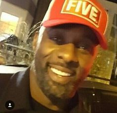 I ❤❤ this man. Better Half, How To Look Better, Daddys Little Girls, Idris Elba, Gerard Butler, Handsome Man, Man Style, Man Crush, Luther