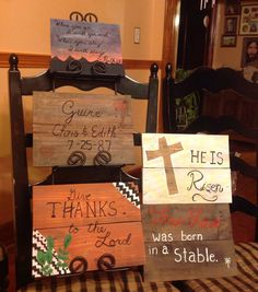 Pallet signs made for seasons/holidays/family Entryway