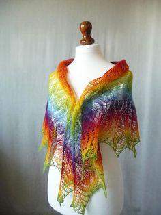 Rainbow dreieckigen Schal stricken Hand stricken von KnittyStories https://www.etsy.com/de/listing/103266967/rainbow-dreieckigen-schal-stricken-hand?ref=market