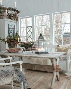 Scandinavian style, scandinavian interior, christmas home, cottage style Rustic Christmas, Simple Christmas, Christmas Home, Christmas Squares, Vibeke Design, Interior And Exterior, Interior Design, Deco Floral, Scandinavian Interior