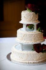 Plain Wedding Cakes With Pillars