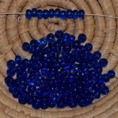 Lot 145 perles de rocaille - 14 gr - 4,5 mm - transparent saphir foncé