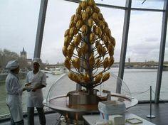 Chocolate museum Koln - melting chocolate fountain – Bild von ...