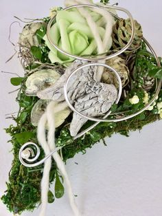 Grave Flowers, Rose, Wreaths, Crafts, Decor, Herbs, Funeral Flowers, Cemetery Flowers, Pink