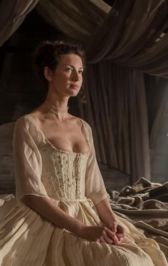 Outlander 2014. Claire's beautiful corset and stays.