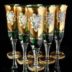 ✨ЧЕШСКИЙ ХРУСТАЛЬ И СТЕКЛО 🇨🇿 (@xrustalik.ru) • Φωτογραφίες και βίντεο στο Instagram Vintage China, Wind Chimes, Stained Glass, Champagne, Tableware, Inspiration, Instagram, Glasses, Bohemian
