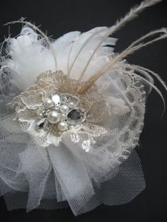 Wedding fascinator tulle flower beige latte ivory bridal hairpiece vintage rustic Hair clip Rose lot Lace French / russian tulle Feather