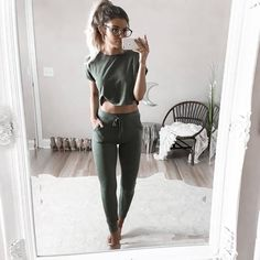 32 Affordable Leisure Tips for Winter Athleisure Outfits Affordable Leisure Tips winter Yoga Outfits, Lazy Outfits, Hipster Outfits, Outfits For Teens, Casual Outfits, Cute Outfits, Fashion Outfits, Workout Outfits, Fashion Ideas