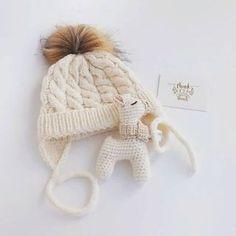 Вязание для мам и малышей (@1001.petelka) • Фото и видео в Instagram Winter Hats, Fashion, Moda, Fashion Styles, Fashion Illustrations