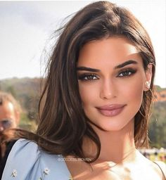 morning my loves 💐 Kendall Jenner Make Up, Looks Kylie Jenner, Kendall Jenner Hair Color, Kendall Jenner Acne, Kendall Jenner Hairstyles, Kylie Jenner Makeup Natural, Kendall Jenner Eyebrows, Kendall Jenner Makeup Tutorial, Kylie Jenner Icons