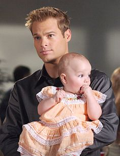 George Stults as Kevin Kinkirk on Heaven with his & Lucy's daughter, Savannah. Tv Fr, Tv Show Family, Sherlock Cast, Vampire Diaries Memes, Seven Heavens, 7th Heaven, Holding Baby, Old Tv Shows, Celebrity Babies
