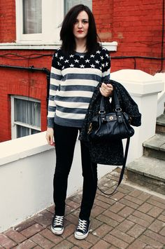 Stars & stripes jumper, black skinny jeans, Converse hi-tops Pretty Outfits, Winter Outfits, Cute Outfits, Pretty Clothes, Asos Fashion, Fashion Outfits, Womens Fashion, Black Jumper, Grey Sweater