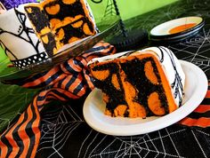 Polka Dot Halloween Cake. Love The Rich Colors. Sooo Many Ideas For Other Occasions