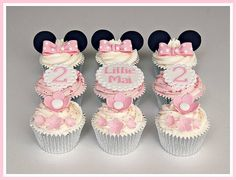 birthday cupcakes for the gorgeous Lillie-Mai. Pink blossoms, frilly plaques and Minnie Mouse ears with polka dot bows! Mini Mouse Cupcakes, Mini Mouse Birthday Cake, Baby Mickey Mouse Cake, Pink Birthday, Fun Cupcakes, Birthday Cupcakes, Amazing Cupcakes, Birthday Cake Flavors, Mousse