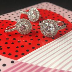 All this sparkle for just $39? Say hello to our gorgeous NEW @stelladot Elina Drop Earrings...  @glwheeler76