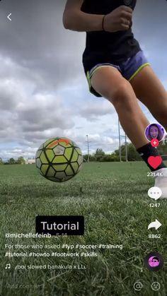 Soccer Footwork Drills, Soccer Practice Drills, Football Training Drills, Football Workouts, Soccer Memes, Soccer Tips, Soccer Shirts, Girl Playing Soccer, Girls Soccer