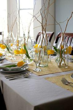 frühlingstischdeko zweige gelb tulpen
